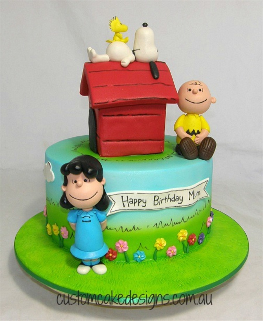 Peanuts Snoopy And Friends Cake CakeCentralcom