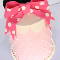 Minnie Mouse Cake I was super excited to make my first extended height cake last weekend! :)