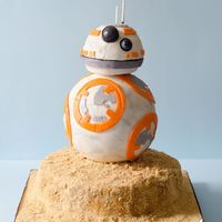 Star Wars - Bb8 A sculpted cake of the character BB8 from Star Wars - The Force Awakens