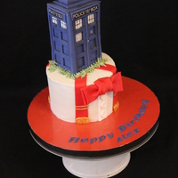 Dr. Who Buttercream with fondant Tardis and accents