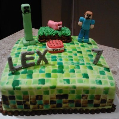 Minecraft Cake With Creeper