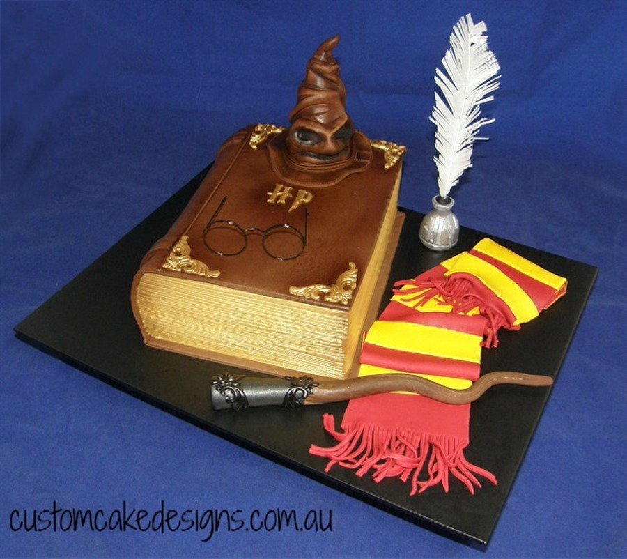 Cake Harry Potter Book : Harry Potter Book Cake - CakeCentral.com