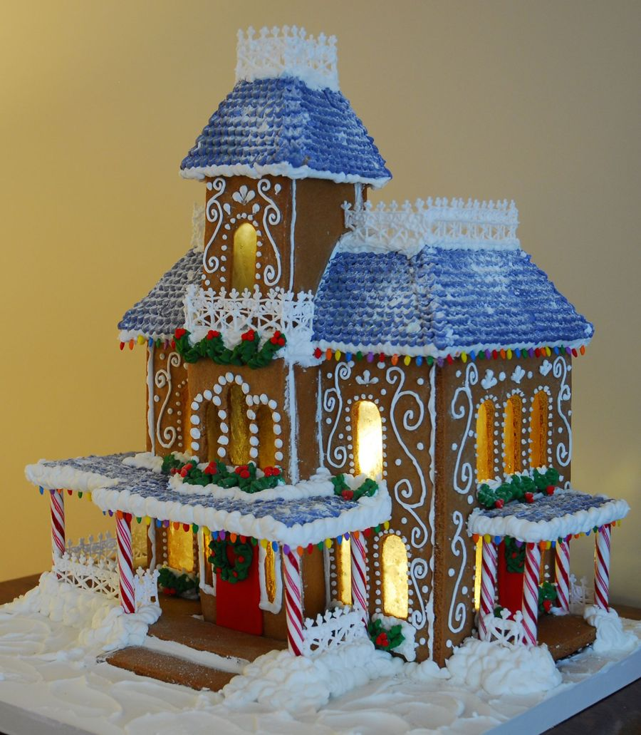 Lighted Victorian Gingerbread House Cakecentral Com