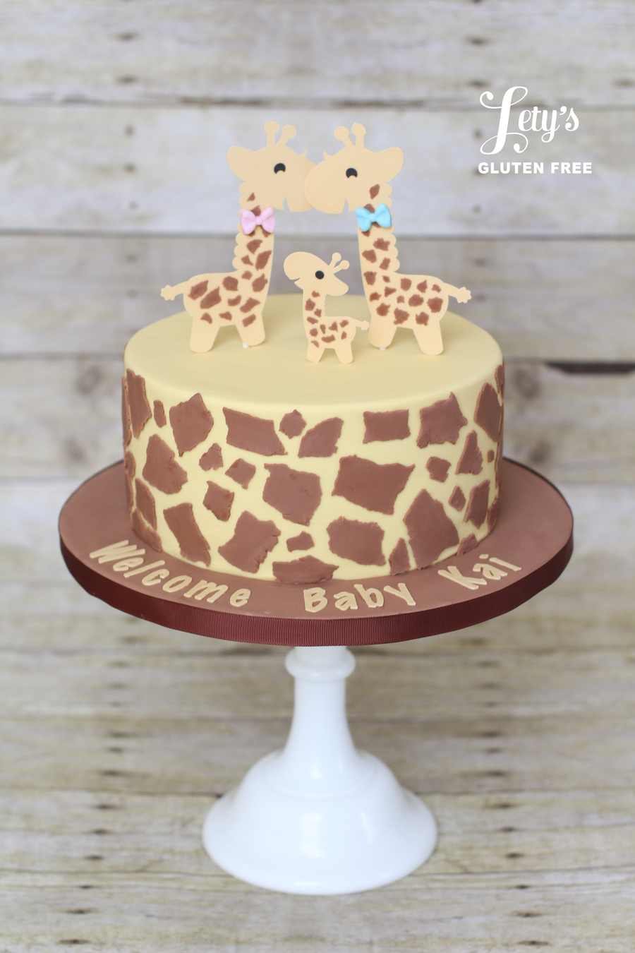 Elephant And Girafe Baby Shower Cake
