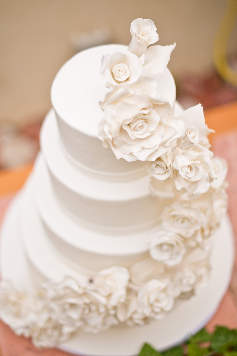 White Roses Wedding Cake Cakecentral Com