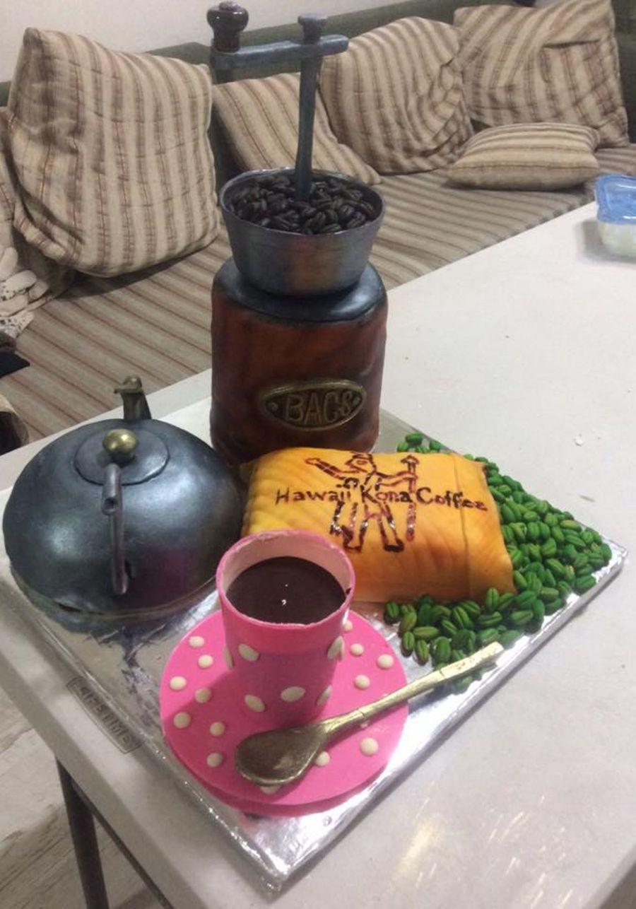 Coffee Grinder Cake - CakeCentral.com