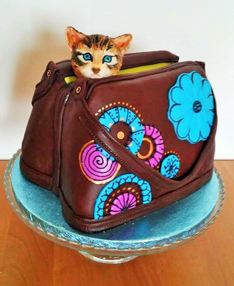 Kitten In A Hand Bag Cakecentral Com