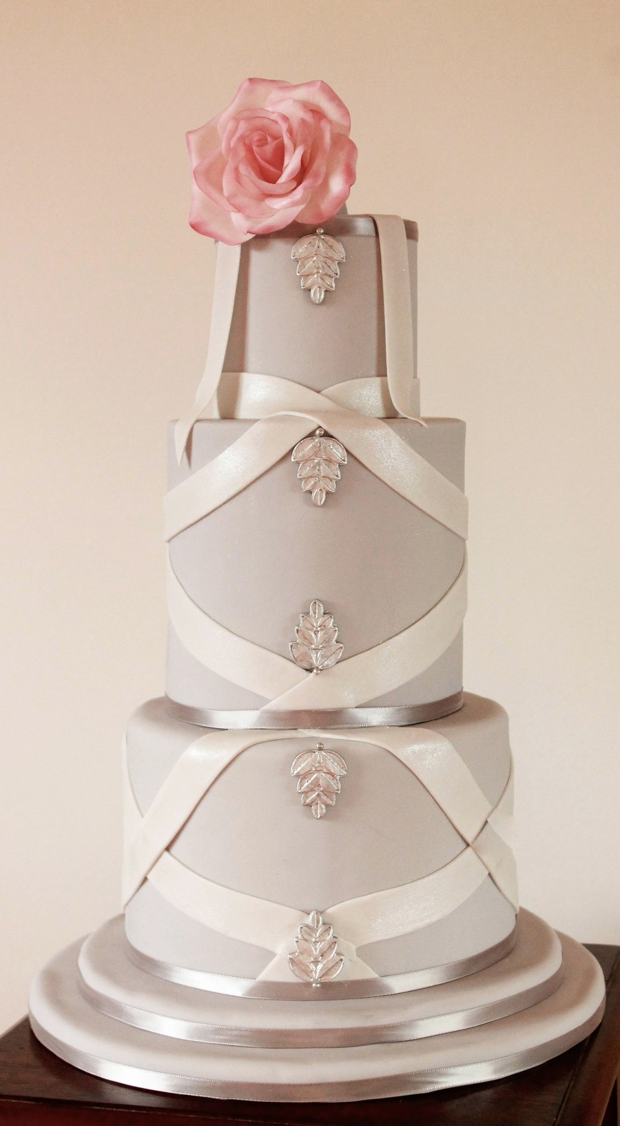 Simple And Modern on Cake Central