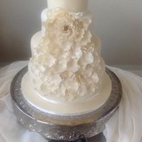 Rose Petal Wedding Cake All white chocolate petals