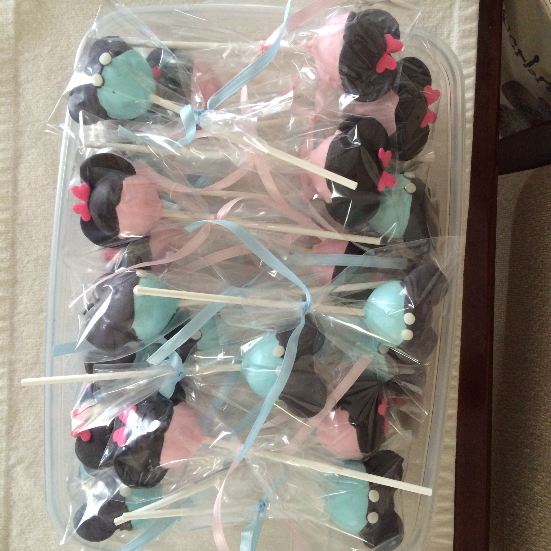 Baby Shower Minnie and Mickey mouse cake pops