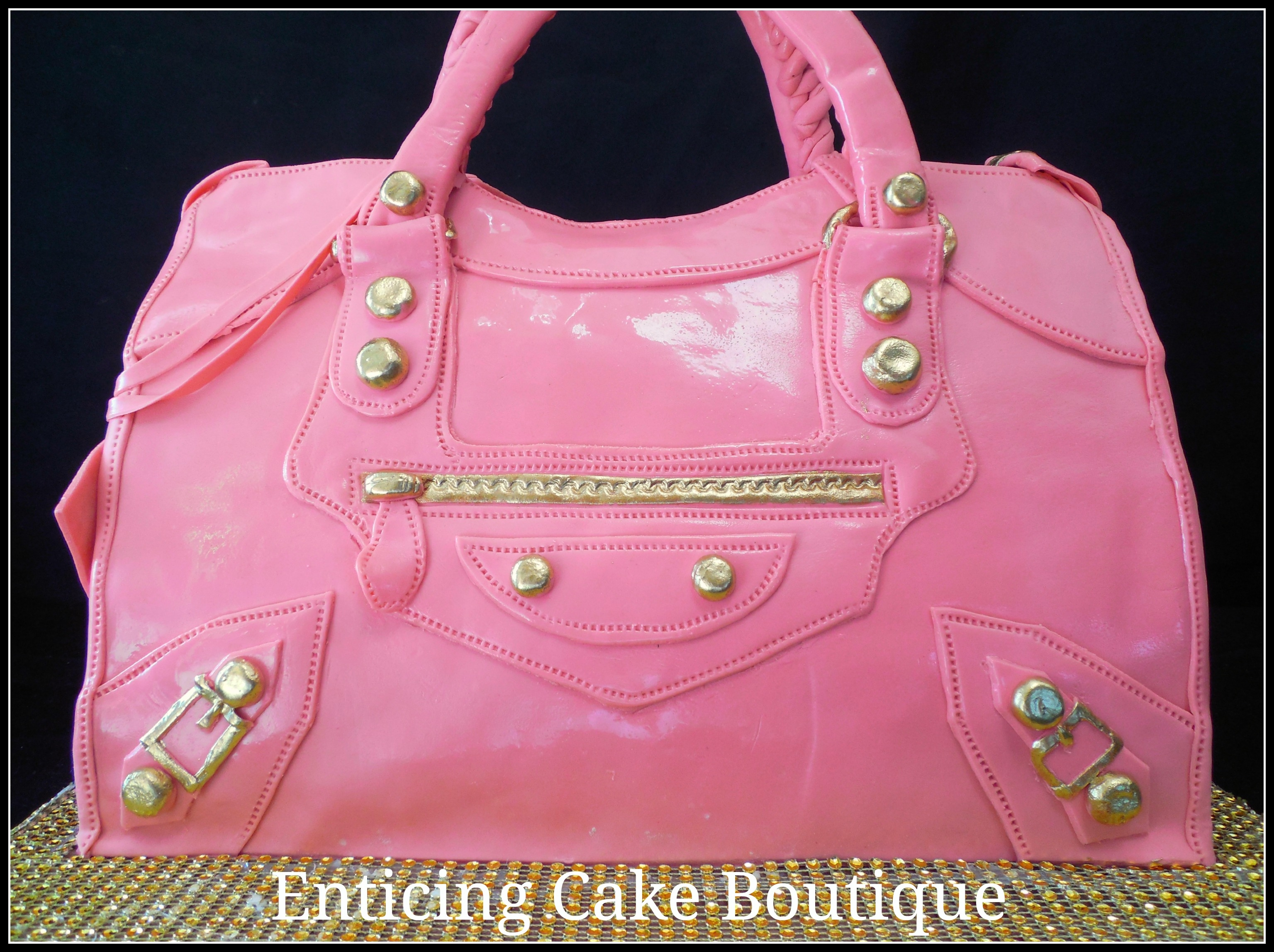 Balenciaga Purse Cake I honestly didn't know this brand until the request to make it came in. They sent me a picture all the way from Brazil and I was ready...