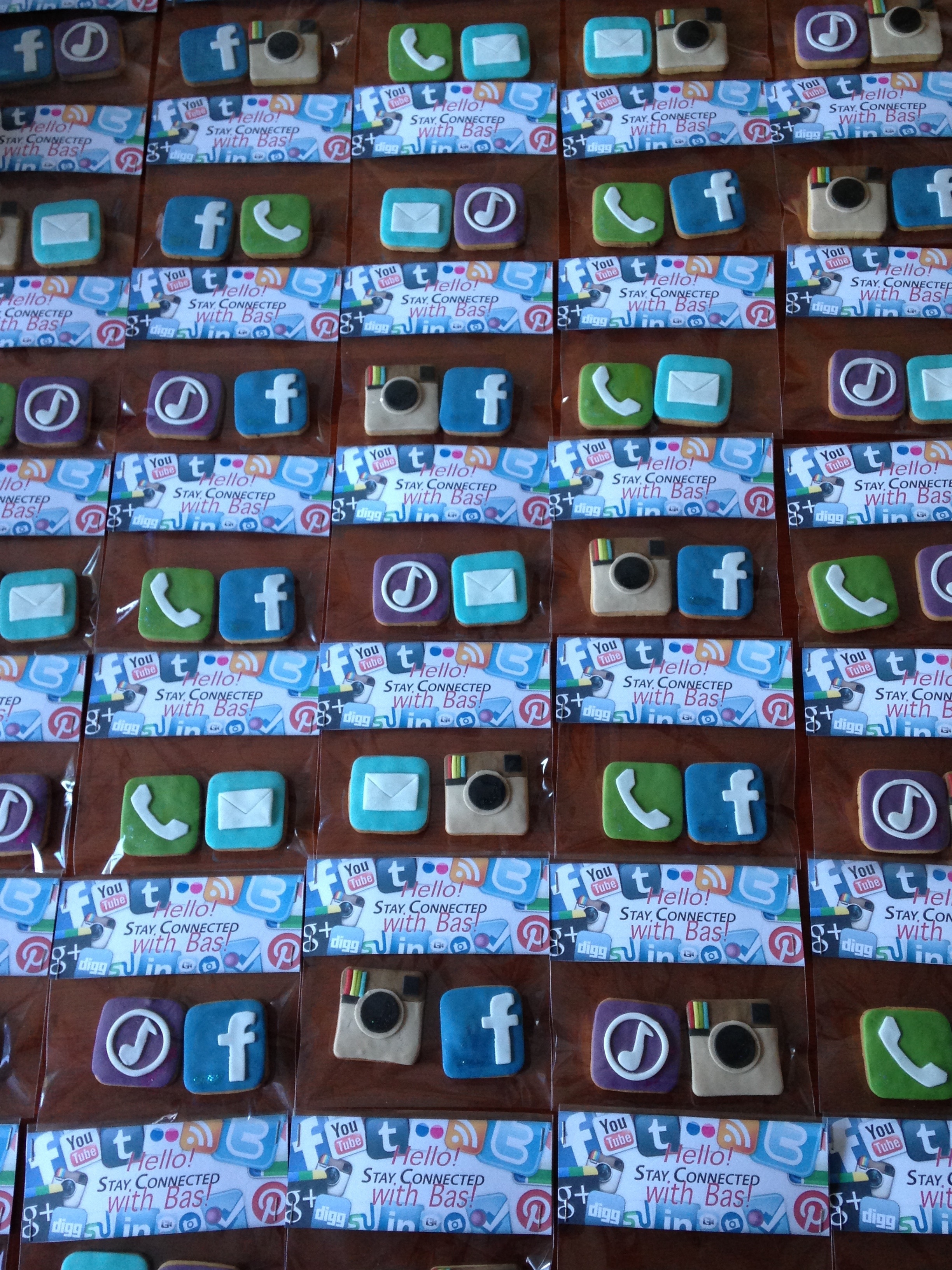 Stay Connected With Bas cookies decorated with fondant social media style