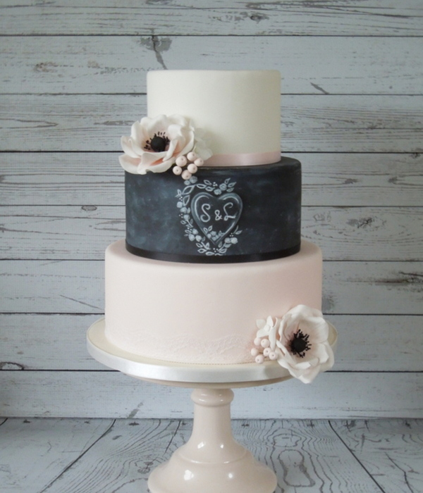 Romantic Chalkboard Weddingcake