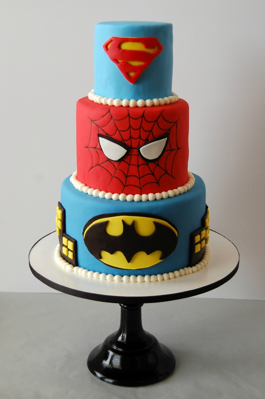 superhero birthday cake Superhero Birthday Cake   CakeCentral.com superhero birthday cake