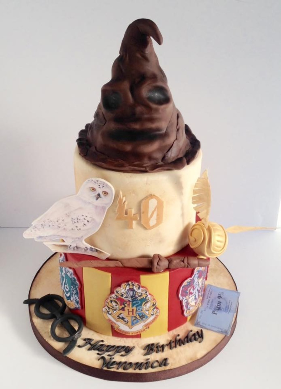 How To Get Cake Decorating Experience : Harry Potter Cake - CakeCentral.com