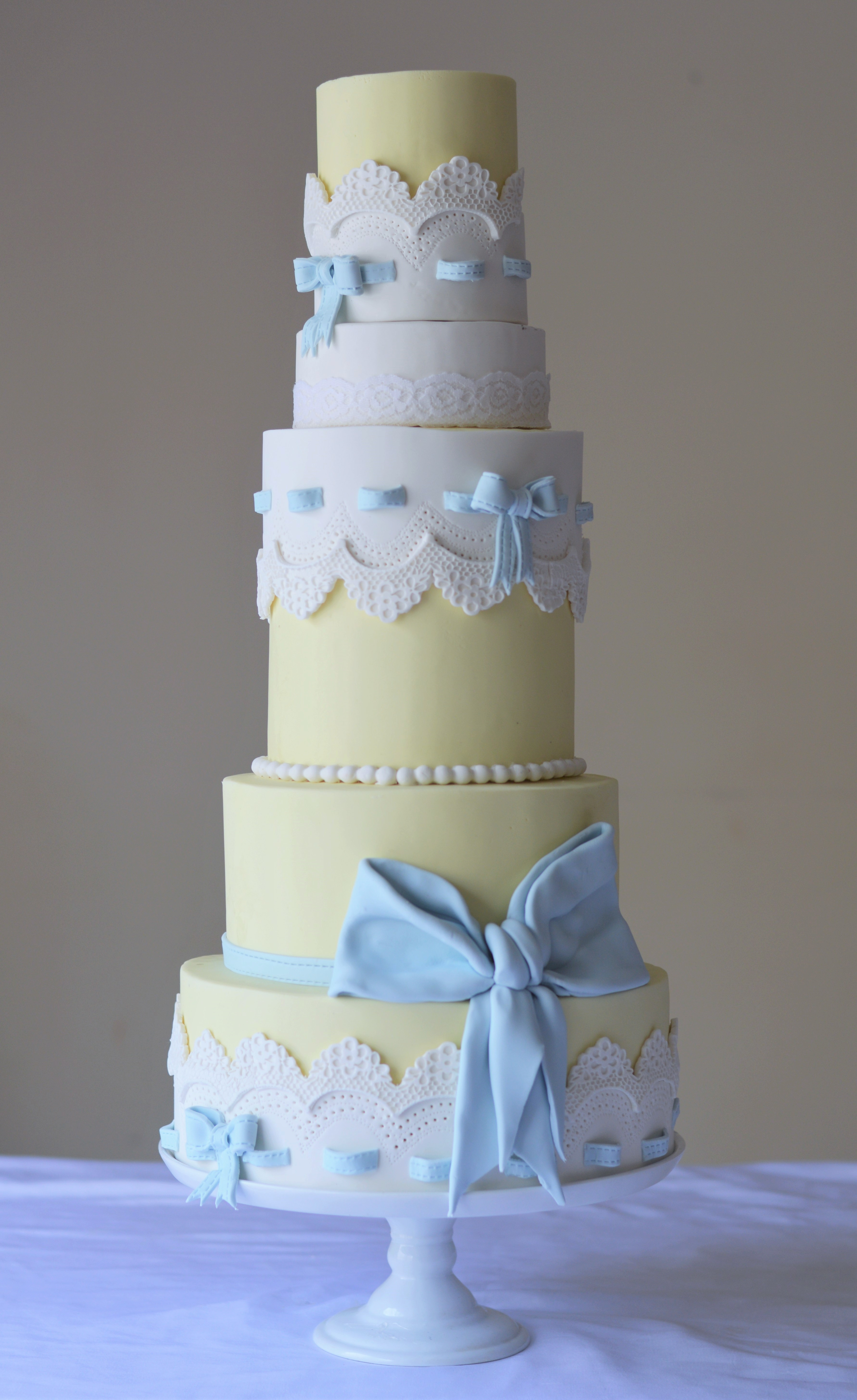 Lemon White And Baby Blue Cake Cakecentral Com