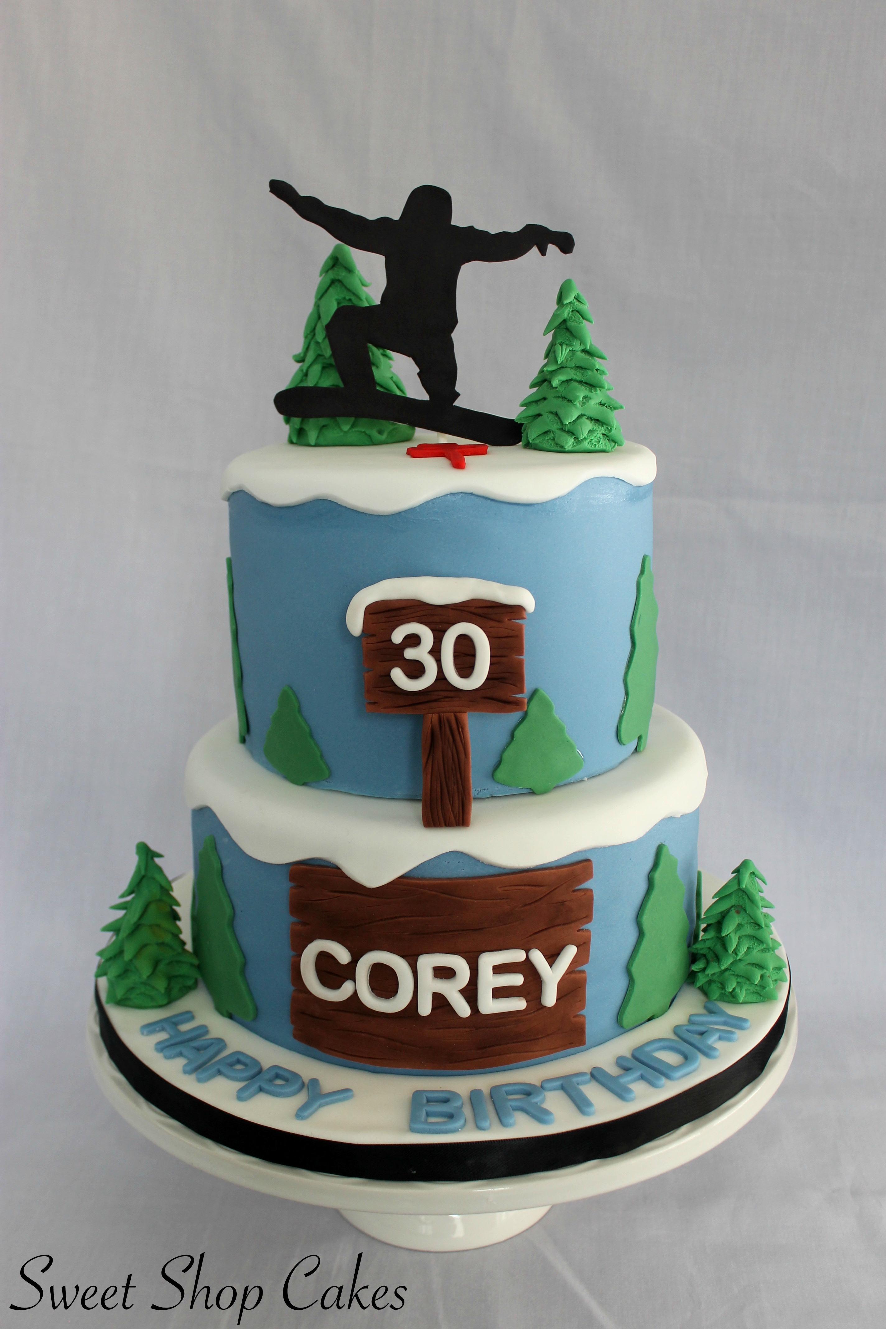 900_snowboard-themed-birthday-cake-937512AxUYg.jpg