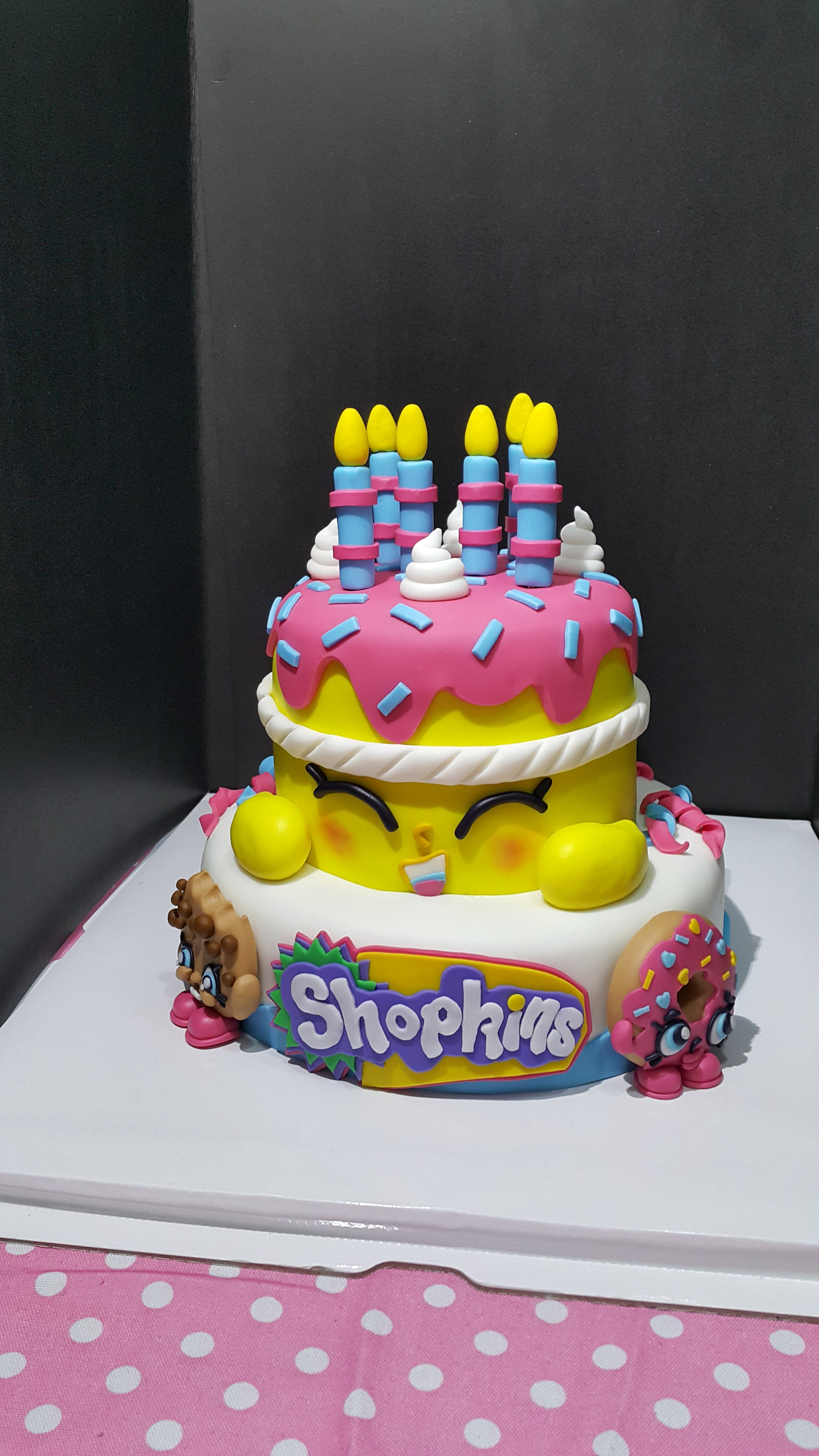 Strawberry Shopkins Cake