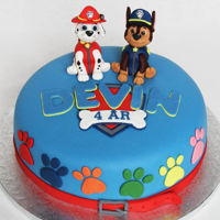 Paw Patrol Paw Patrol cake with Marshall and Chase :) http://rebeccastartor.blogspot.com