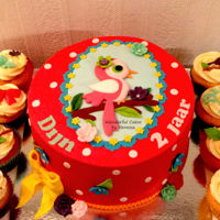 Pip Studio / Jojanneke-Style Pip / Jojanneke-style incorporated into the cake and 32 cupcakes for Dijn her 2nd birthday. Unfortunately I had to take a picture with my...