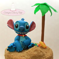 Stitch Fondant stitch on a sandy beach... my favorite scene from Lilo & Stitch <3 TFL