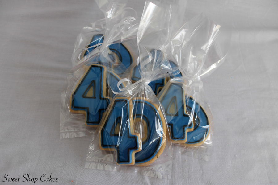 900_40th-birthday-sugar-cookies-937512byIPm.jpg