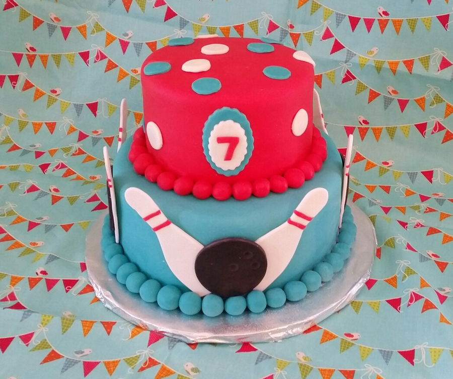 Pleasant Bowling Birthday Cake Cakecentral Com Personalised Birthday Cards Veneteletsinfo