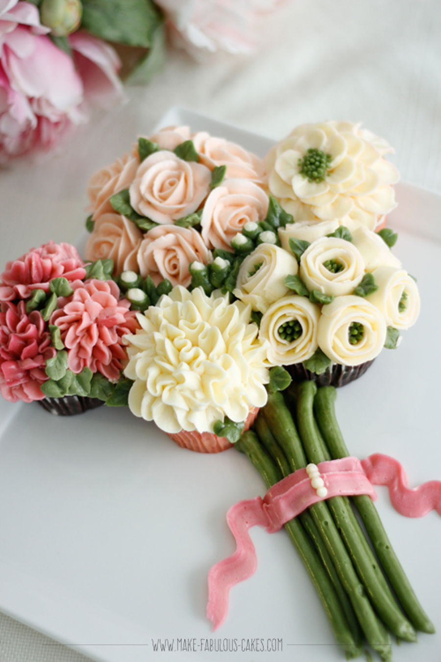 Cupcake bouquet of flowers cakecentral cupcake bouquet of flowers on cake central izmirmasajfo