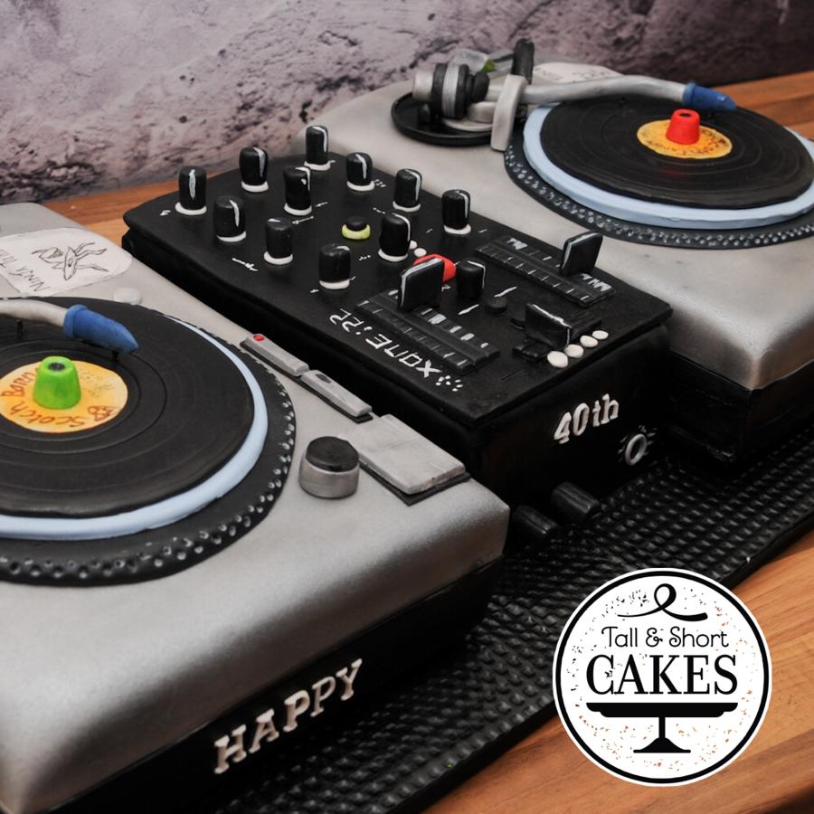 Dj Deck Cake Cakecentral Com