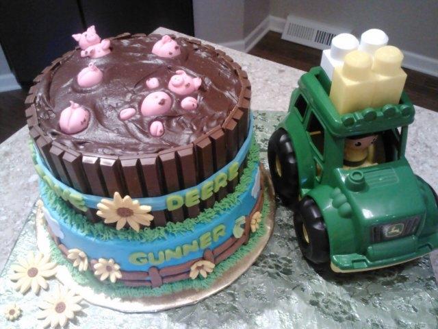 Cake Art Mud Cake Mix : Fondant Pigs In Mud Cake - CakeCentral.com
