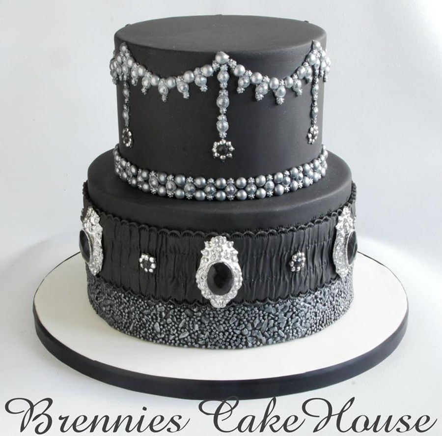 Love The Blacks ;) on Cake Central