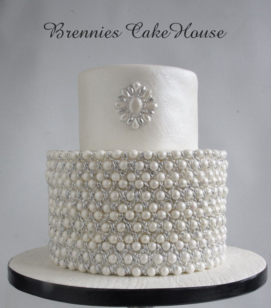 Very Small Simple But Elegant Wedding Cake All Is Eadible