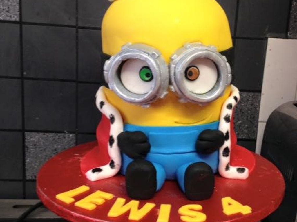 King Bob Minion Cake CakeCentralcom