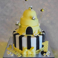 Beehive Cake A first birthday cake.