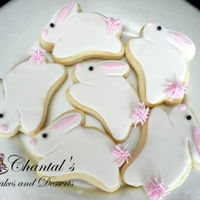 Bunny Cookies Sugar cookies with a layer of buttercream and fondant decoration.