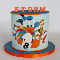 Donald Duck And Friends It's a long time since I've been here.... I'm sorry! Still, I really want to show you my latest cake about Donald Duck, Huey...