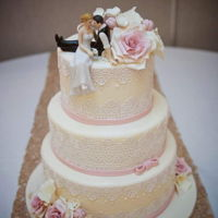 Lace Wedding Cake Ivory lace wedding cake