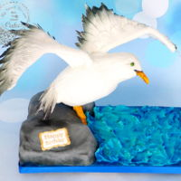 Seagull Of Brighton Birthday cake for a lady who loves Seagulls and loves her vanilla cake ;)