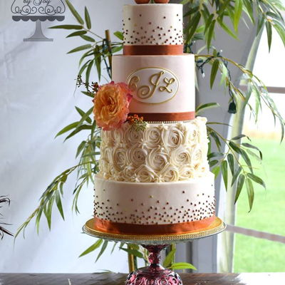 Fall Wedding Cake With Copper