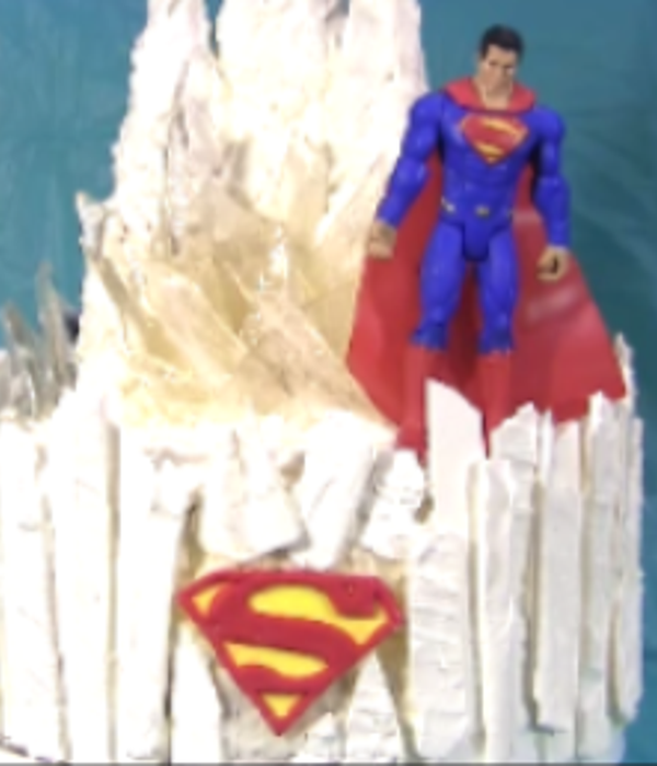 Illuminated Superman Fortress Of Solitude Cake With Led...