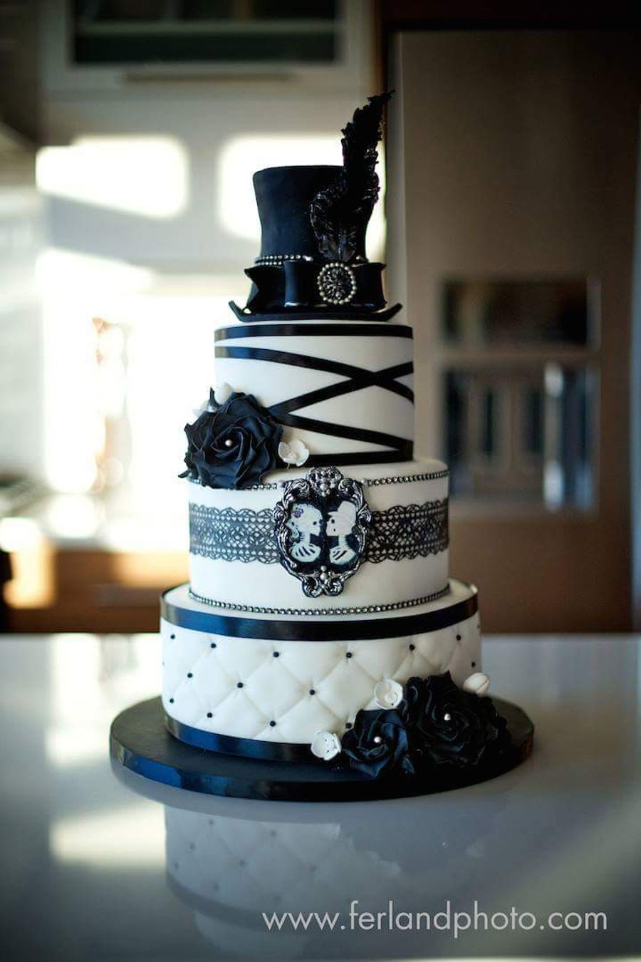 black and white wedding cake. Black Bedroom Furniture Sets. Home Design Ideas