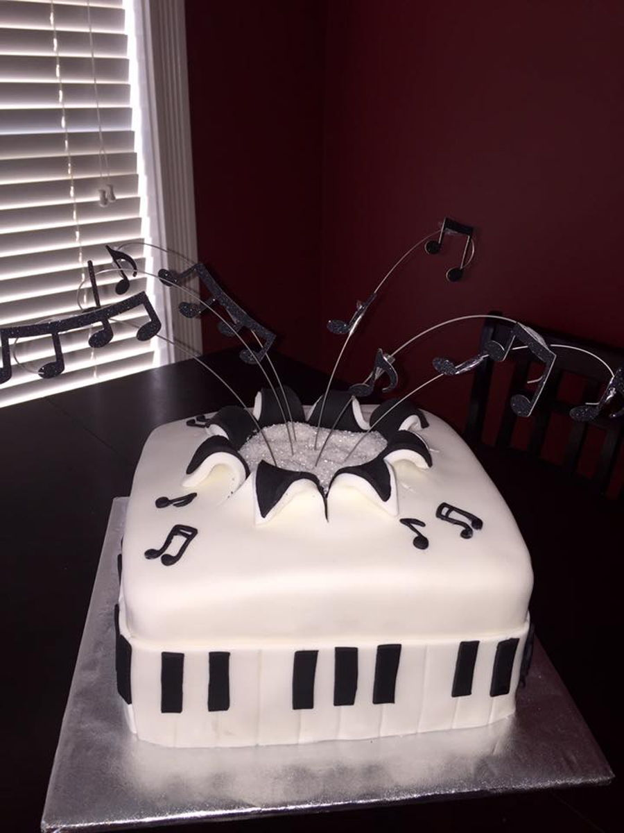 Music Lovers Cake - CakeCentral.com