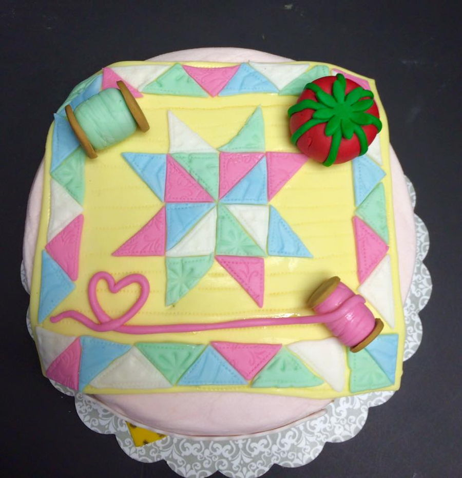 Quilt Pattern Wedding Cake : Quilting Themed Cake - CakeCentral.com