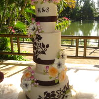 6 Tiers Wedding Cake Uncommon varying sizes