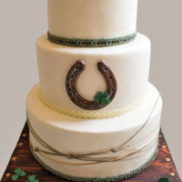 Irish Wedding Various Irish wedding traditions are accentuated on today's cake!