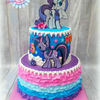My Little Pony Cake We made a My little Pony cake with Rarity and Twilight sparkle. De pony's we made from fondant en also did some handpainting on...