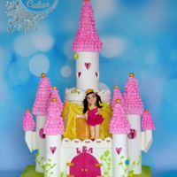 Princess Lea Castle cake with little princess Lea