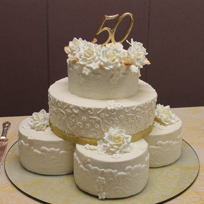 Golden Anniversary Lace And Roses