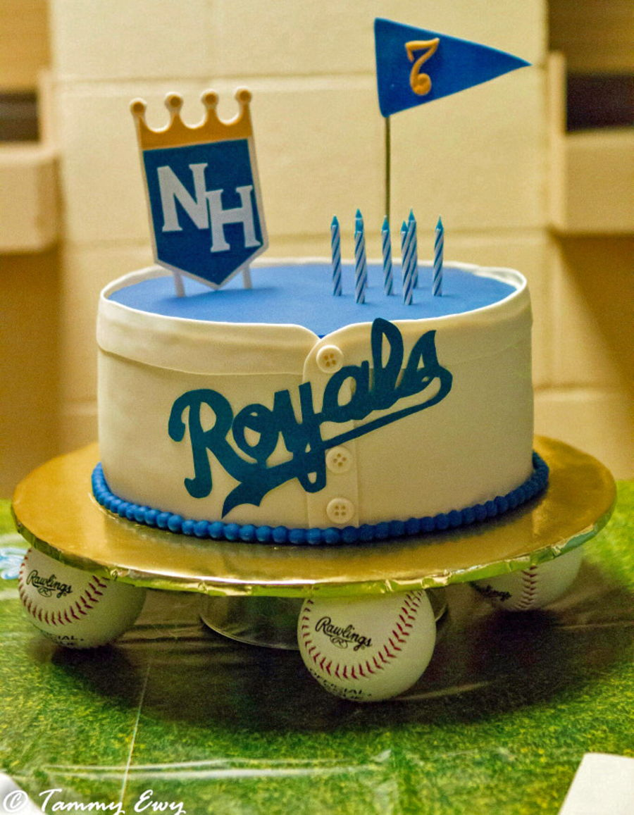 A Royal Birthday on Cake Central