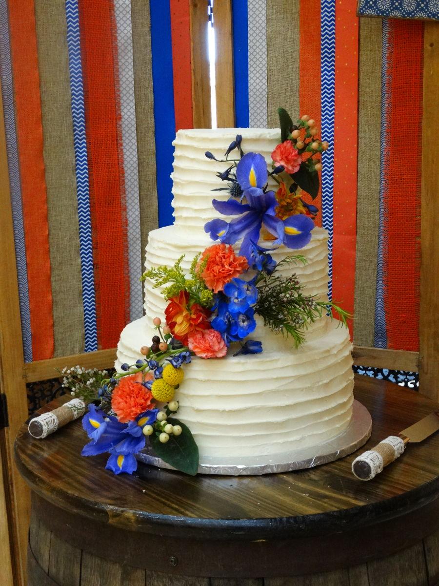 Cascading Flowers Wedding Cake Cakecentral Com